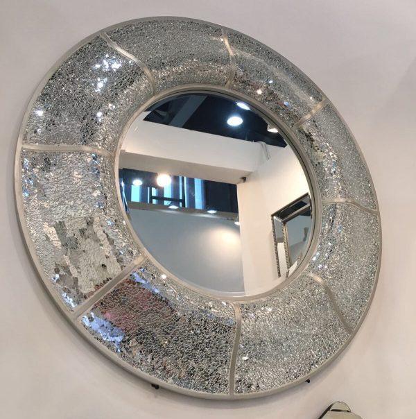 round-mosaic-mirror