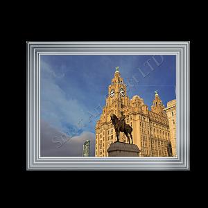 Statue of Edward VII Royal Liver Building