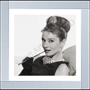 Audrey Cigarette